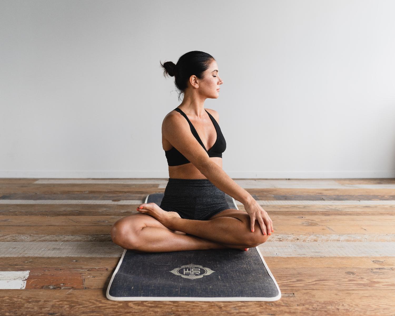 10 Zdravotních výhod jógy pro náš organismus