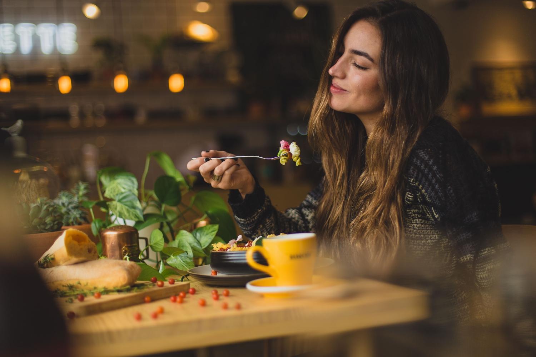 Co přesně je hlad? Je hlad emoce?